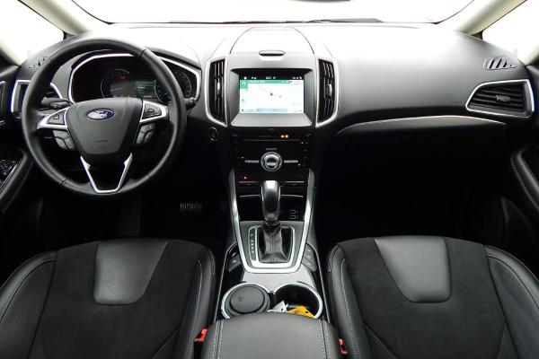 Big Ford Galaxy Interior1