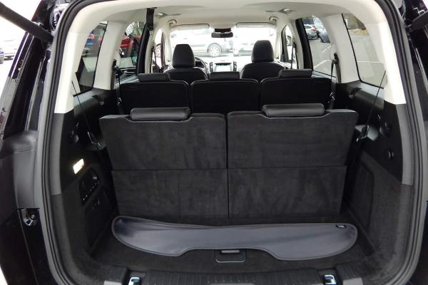 Big Ford Galaxy Interior3