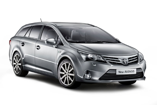 Toyota Avensis 2012 Front